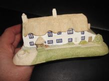 COLLECTABLE MILESTONES MINIATURE SOMERSET COTTAGE VERY DETAILED WISHING WELL 6""